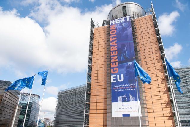 NextGenerationEU: Η Επιτροπή ετοιμάζεται να συγκεντρώσει έως και 800 δισ. ευρώ για τη χρηματοδότηση της ανάκαμψης.
